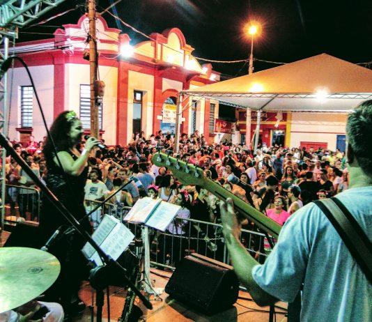 Banda toca no Largo dos Pescadores (Foto: divulgação)